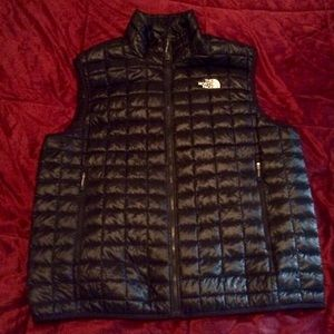NWOT NORTH FACE GLOSS STOW VEST.